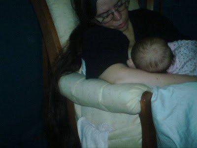 Preschooler photography - Mom breastfeeding baby.
